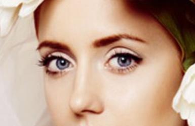 埋线双眼皮会因为来例假加重肿吗