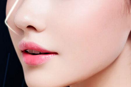 天生鼻孔肥大需要做手术吗