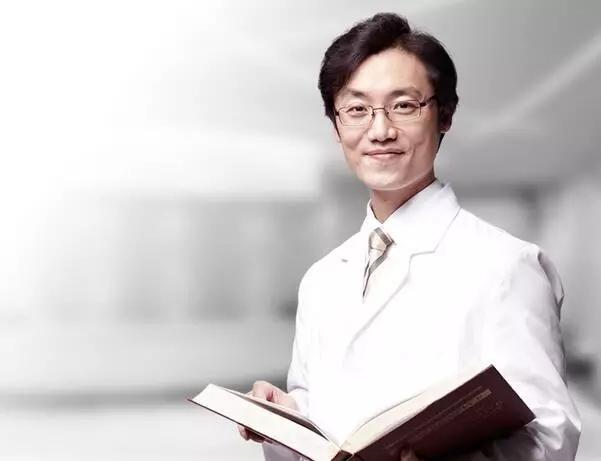 韩国电眼专家尹度龙教授即将坐诊上海美莱
